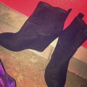 Size 8 Heeled Boots
